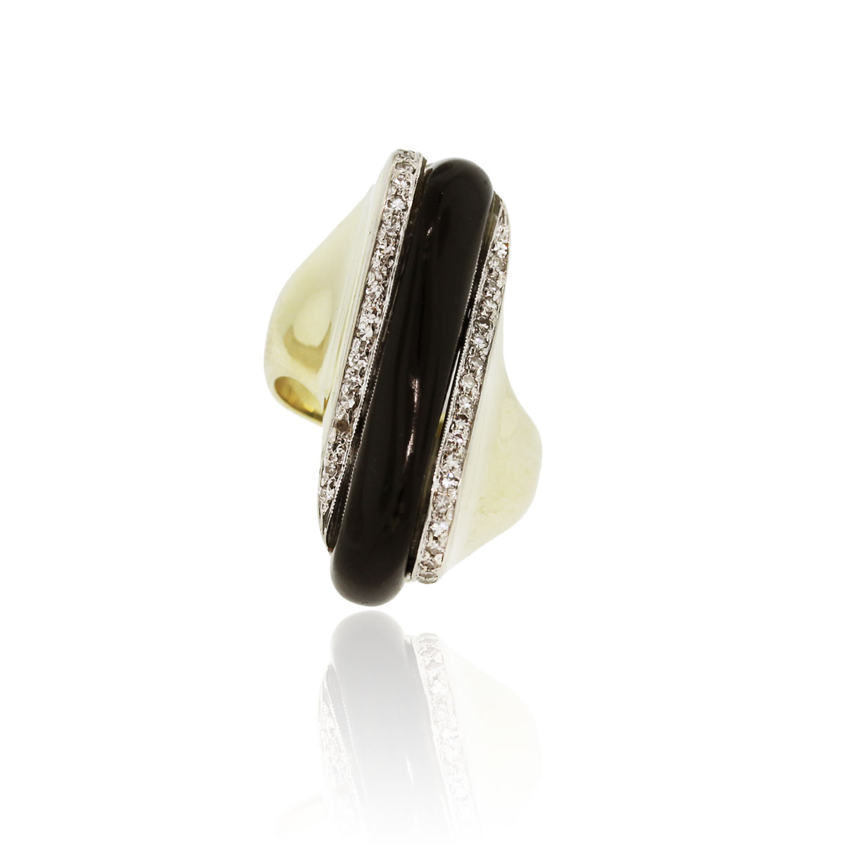 You are viewing this 14k Yellow Gold .40ctw Diamond & Onyx Ring!