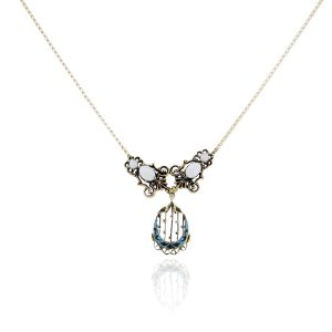 You are viewing this 14k Yellow Gold Opal Vintage Necklace!