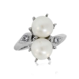 You are viewing this 14K White Gold Pearl & Diamond Ring