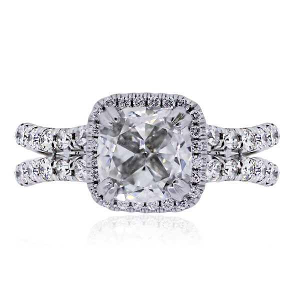 Uneek 3ct cushion diamond ring