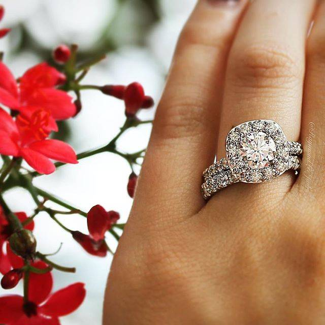 Halo engagement ring with wedding ring