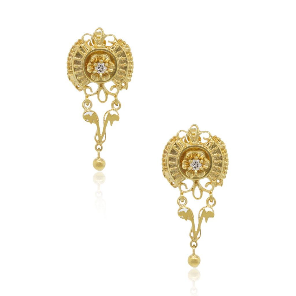 14k Yellow Gold Diamond Vintage Earrings with 0.15ctw