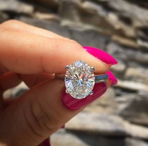 Tiffany Oval solitaire