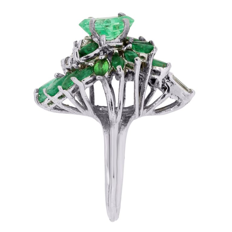 14k white gold 1 60ct emerald and 1ctw cocktail ring