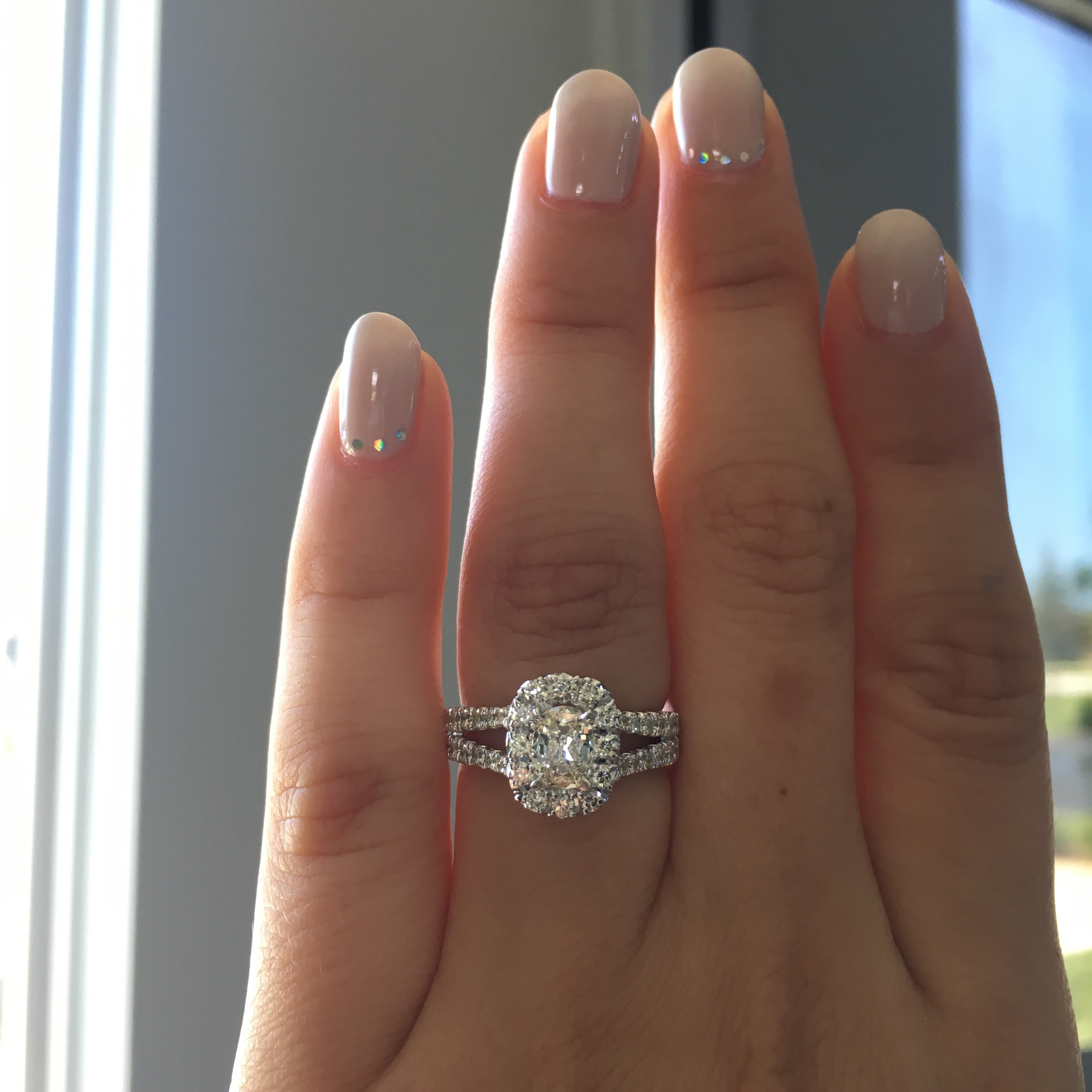 Henri Daussi Engagement Rings – What Makes Them Different?