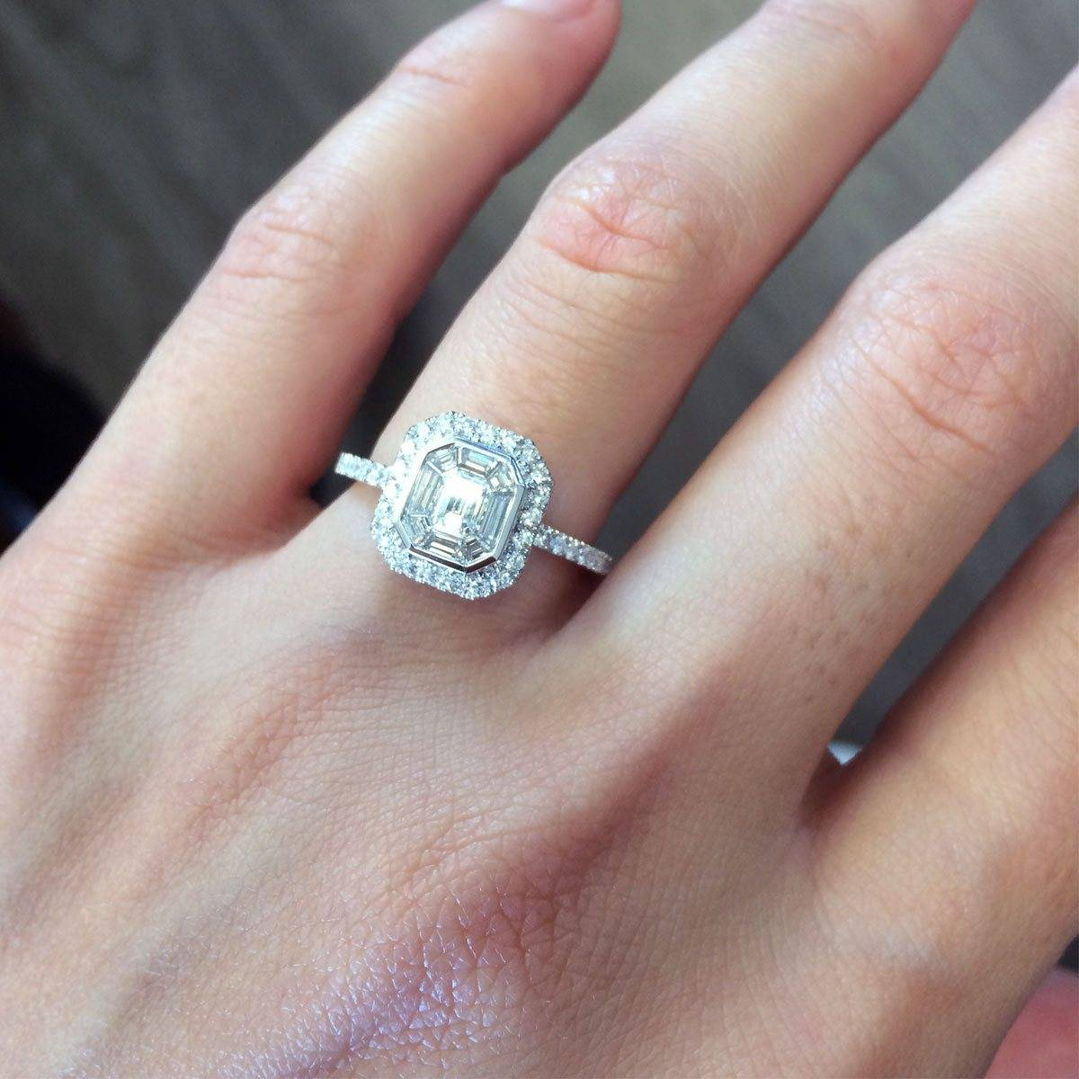 What Does A $ 10000 Engagement Ring Look Like?