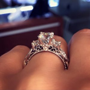 The most popular engagement ring on Pinterest