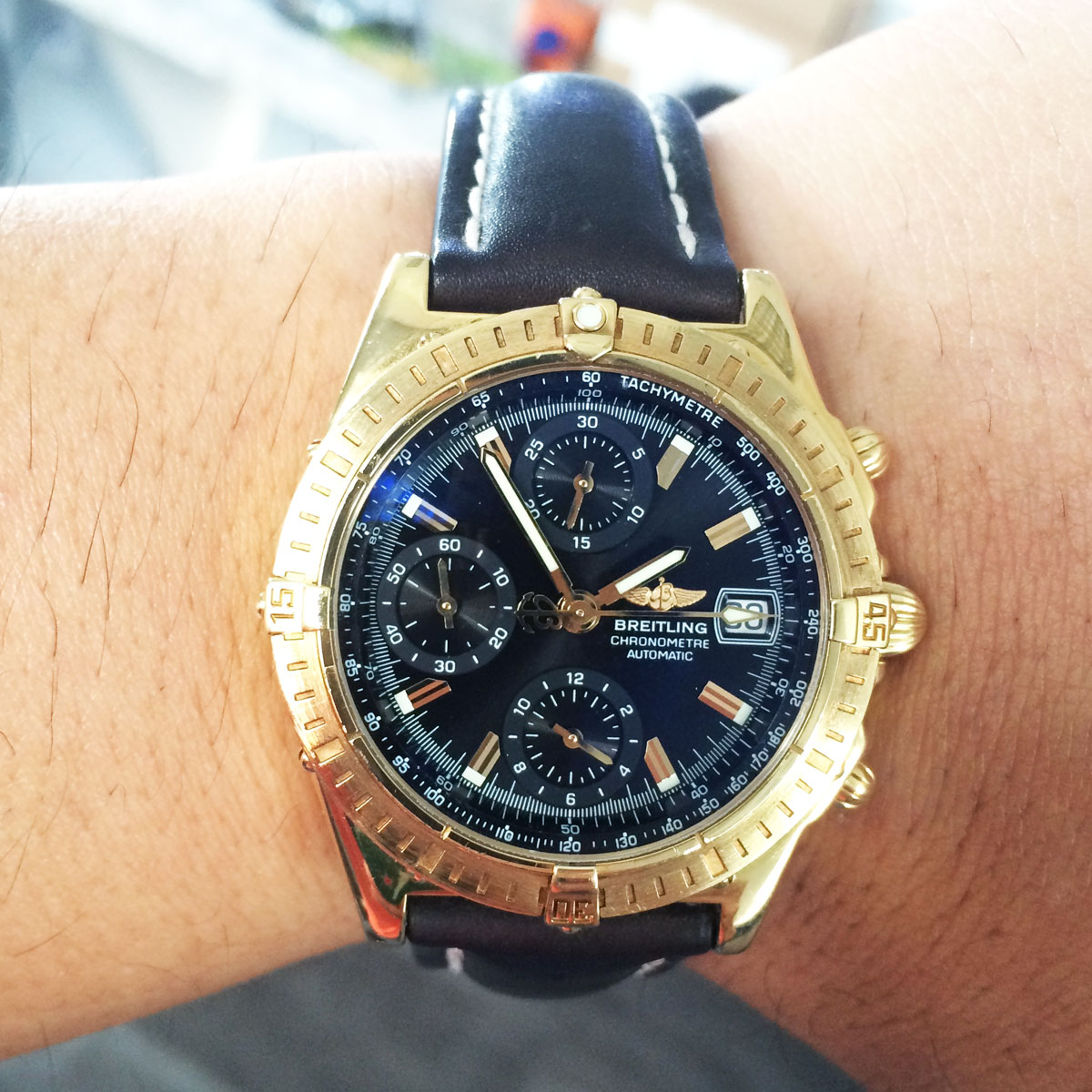 Breitling k13352 windrider chronograph 18k yellow gold watch for Watches gold