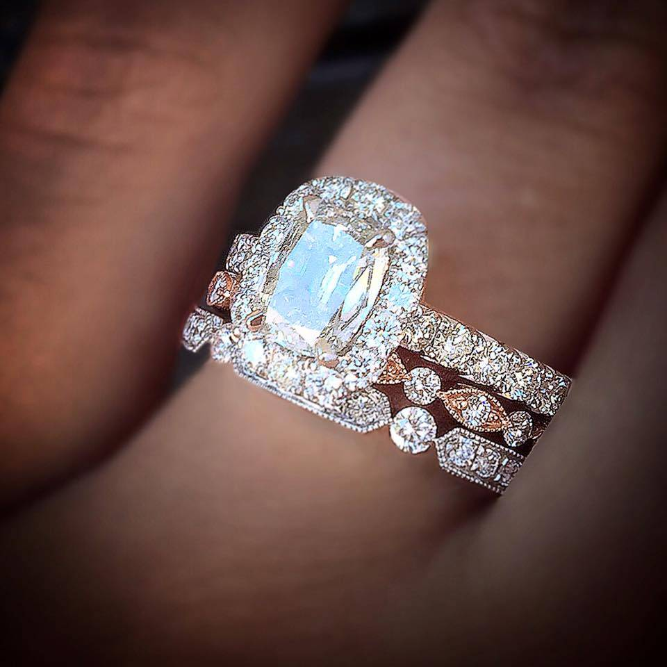 Cushion cut engagement rings without halo
