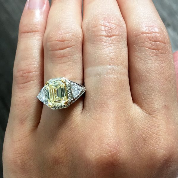 18k Two Tone Gold 4.51ctw Diamond Engagement Ring