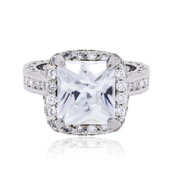 18k White Gold 1ctw Diamond Halo Mounting With Cubic Zirconia Center Mounting