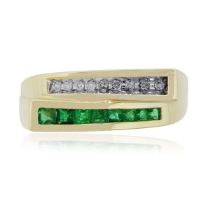 10k Yellow Gold 0.26ctw Emerald and Round Cut Diamond Ring