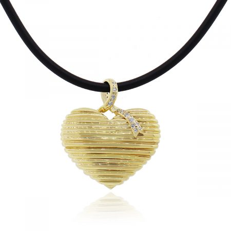 18k Yellow Gold 0.20Ctw Diamond Ribbed Heart Pendant With Necklace