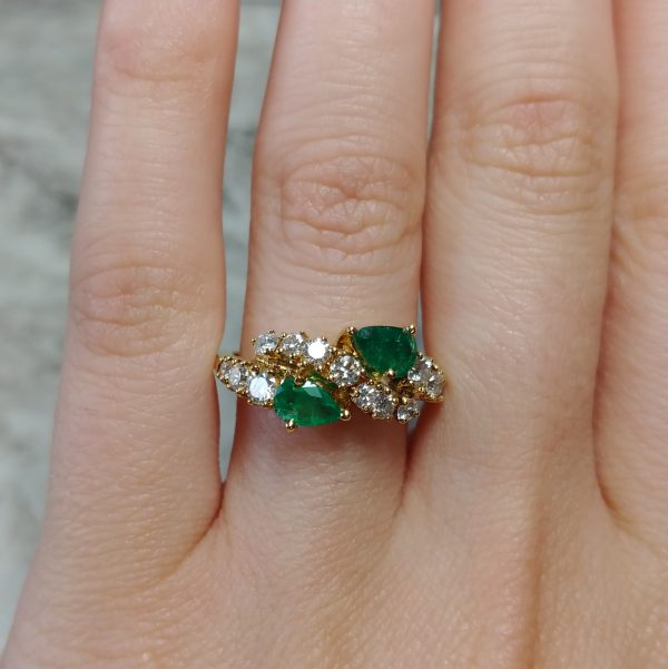 18k Yellow Gold 0.70ctw Round Brilliant Diamond And Pear Emerald Ring