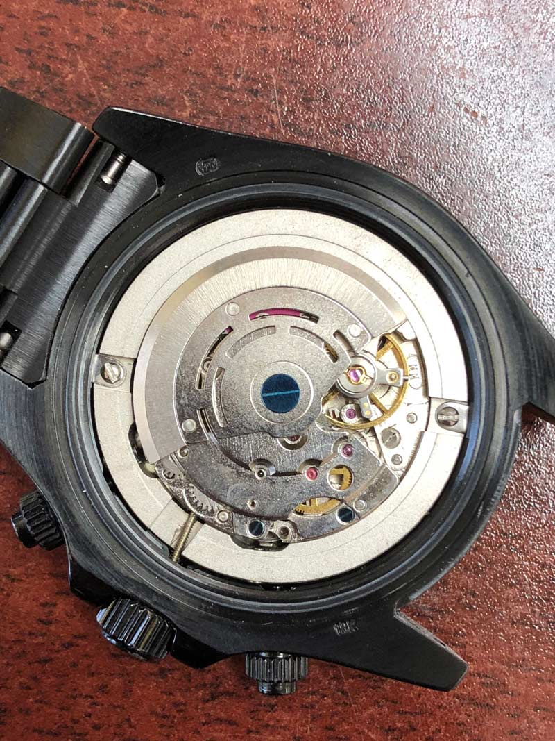 what does the inside of a fake rolex look like