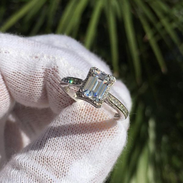 Top 10 Vintage Style Engagement Rings
