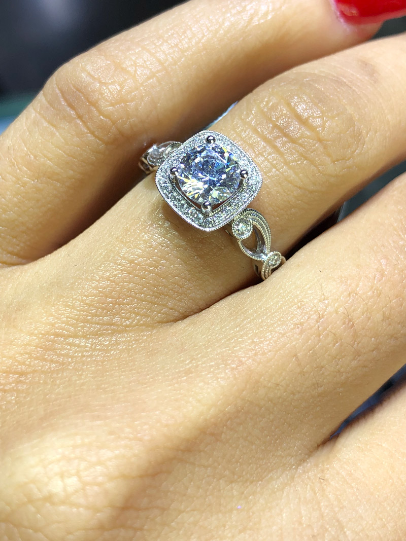 engagement rings that don't break the bank