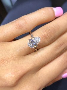 Which way should a pear shaped diamond ring be worn?