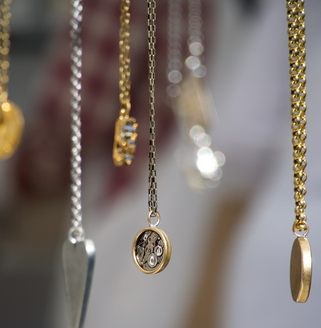 How to Tell If Your Estate Jewelry Is Valuable