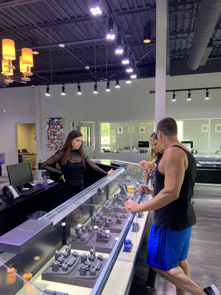customers answering where to buy diamond engagement ring