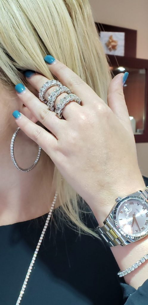 jewelers that buy jewelry comparing diamond bands