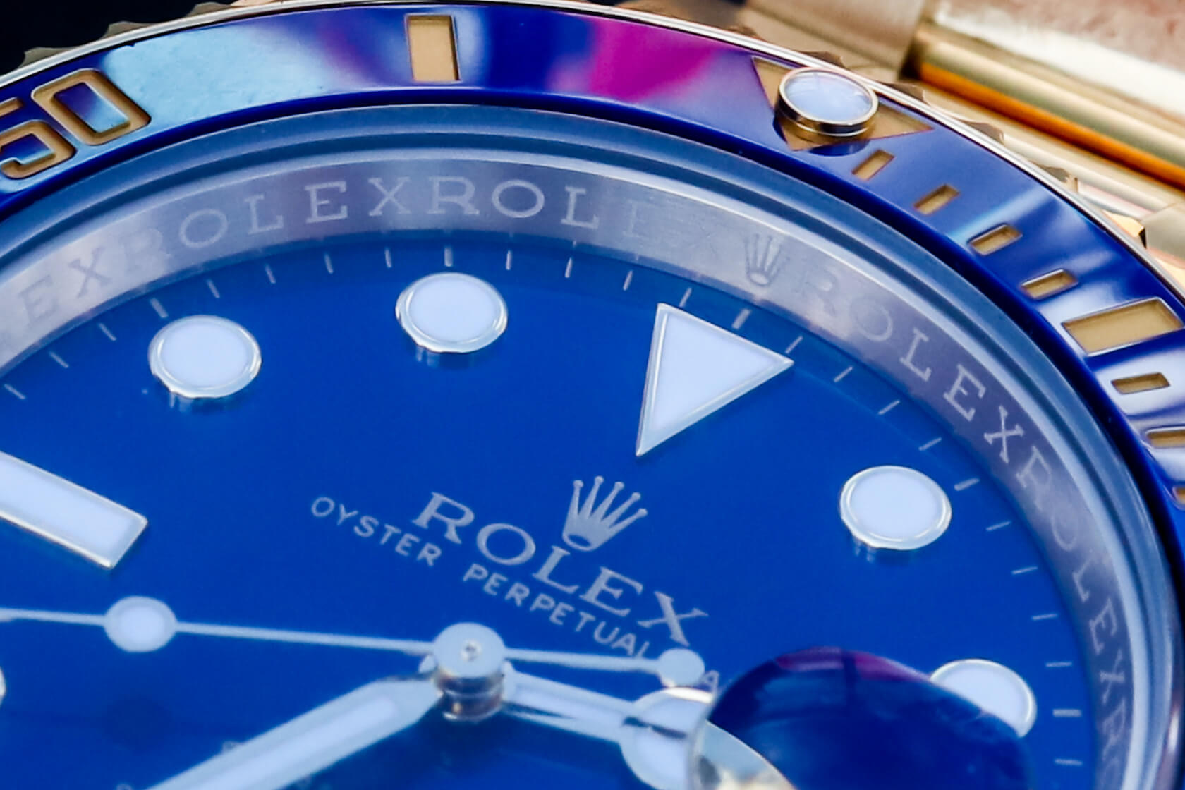 New vs Old Style: Yellow Gold Rolex Submariner 116618 Sunburst Blue