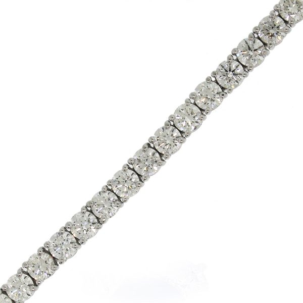 Round brilliant diamond bracelet