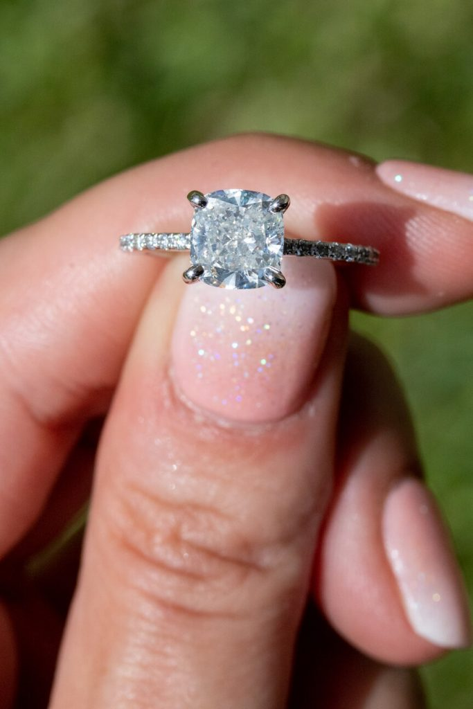 what is a solitaire engagement ring