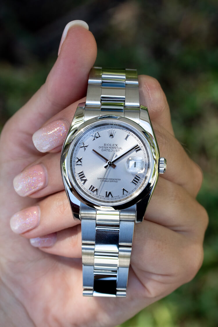 smooth vs fluted bezel
