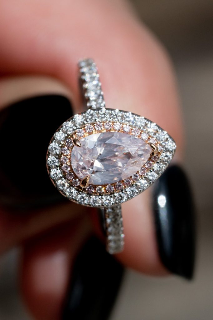 traditional vs non traditional engagement rings
